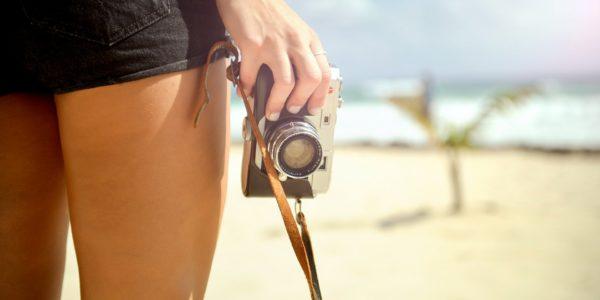 plaża kobieta aparat