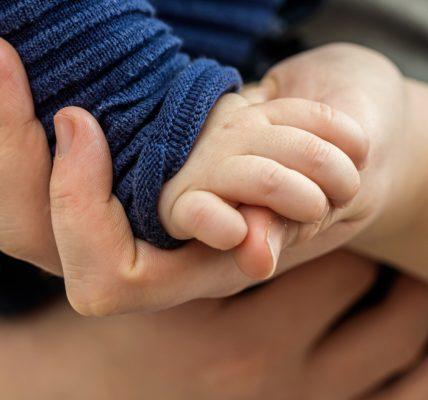 atopowe zapalenie skóry ręce dłonie dziecko