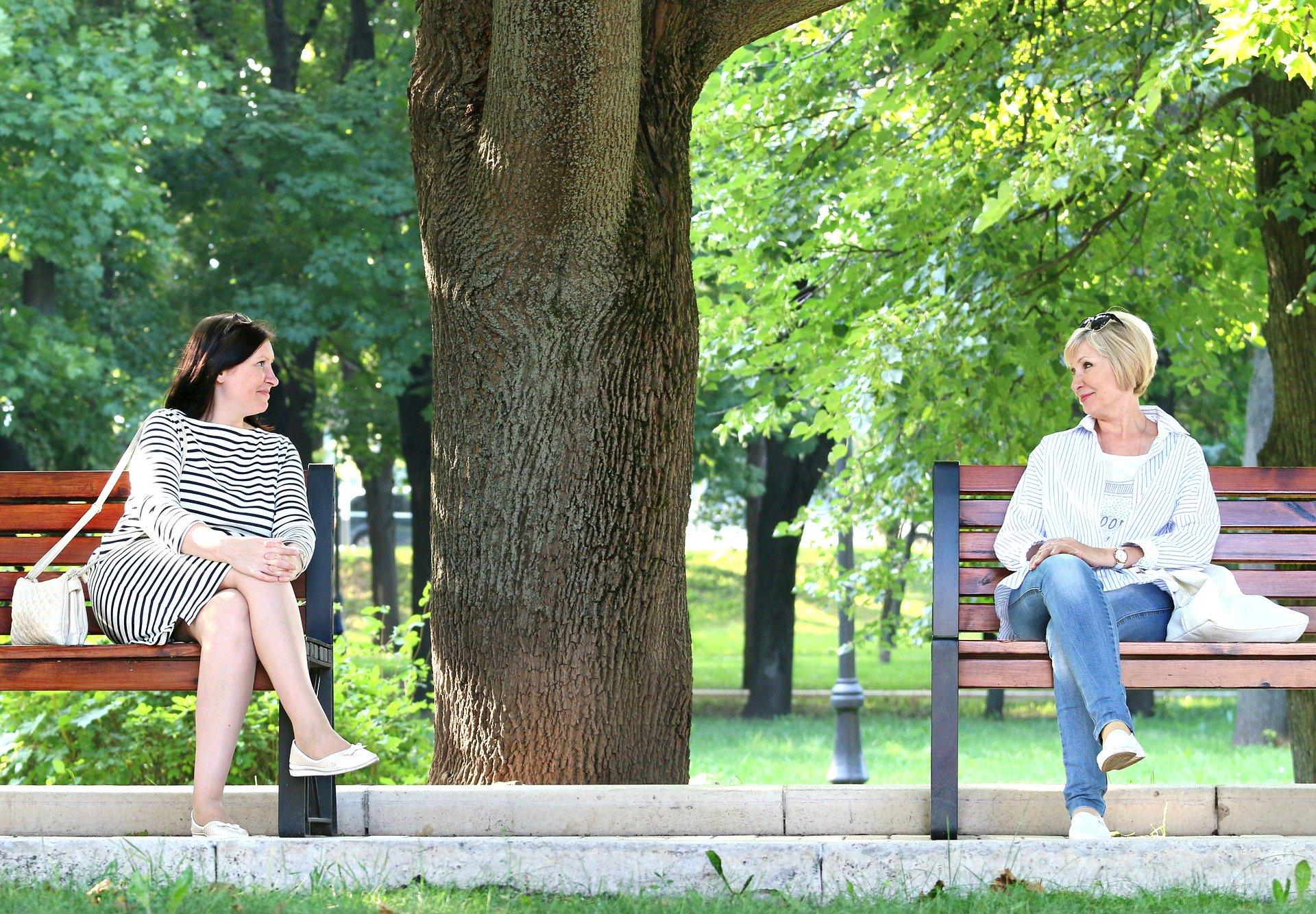 rozmowa kobiety słuchanie pseudosłuchanie